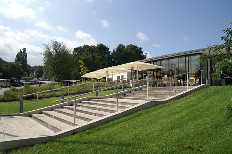 landgrafentherme-sanierung-treppe-vorplatz